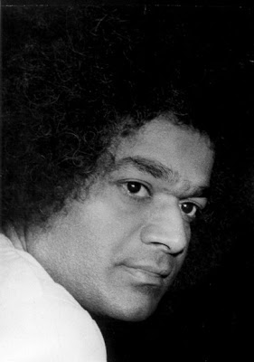 indian-guru-sathya-sai-baba